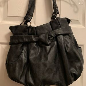 Black Elle shoulder purse